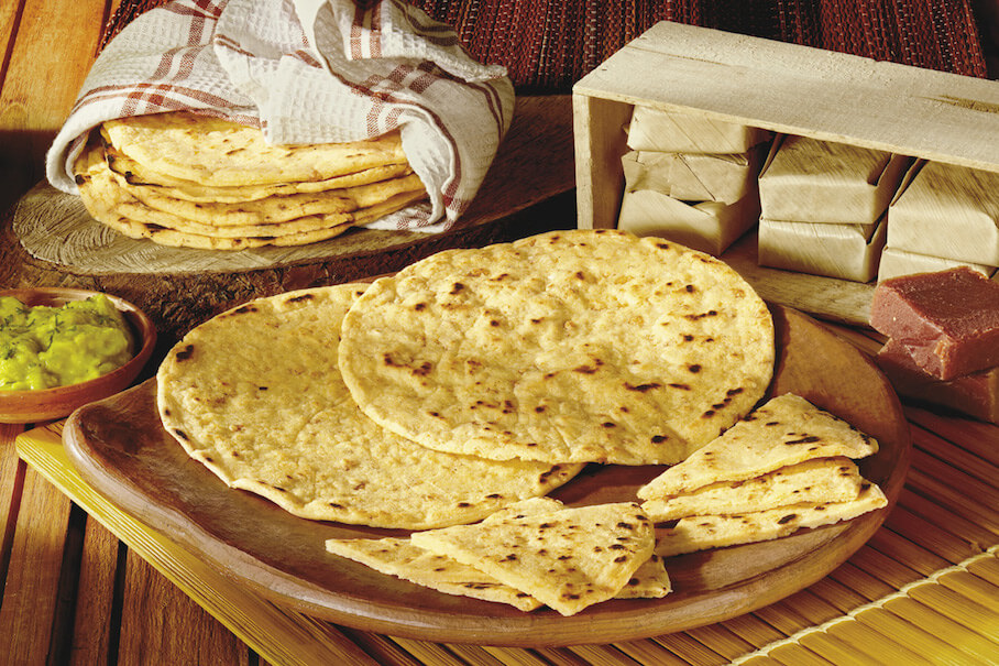 Receta de arepas tradicionales hechas con harina de maíz