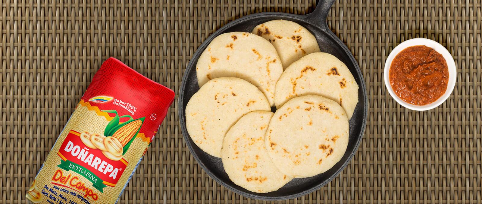 Receta de arepas colombianas de harina de maíz de Doñarepa