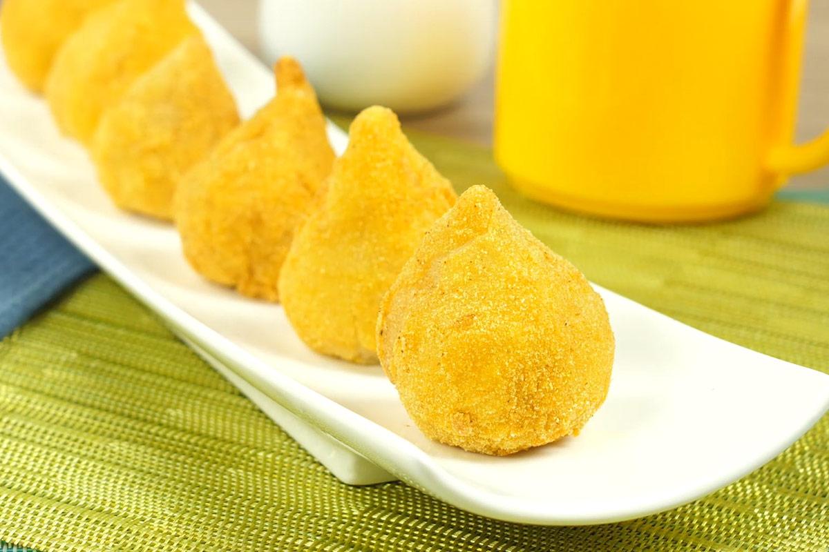 Coxinha de frango con harina de maíz de Doñarepa