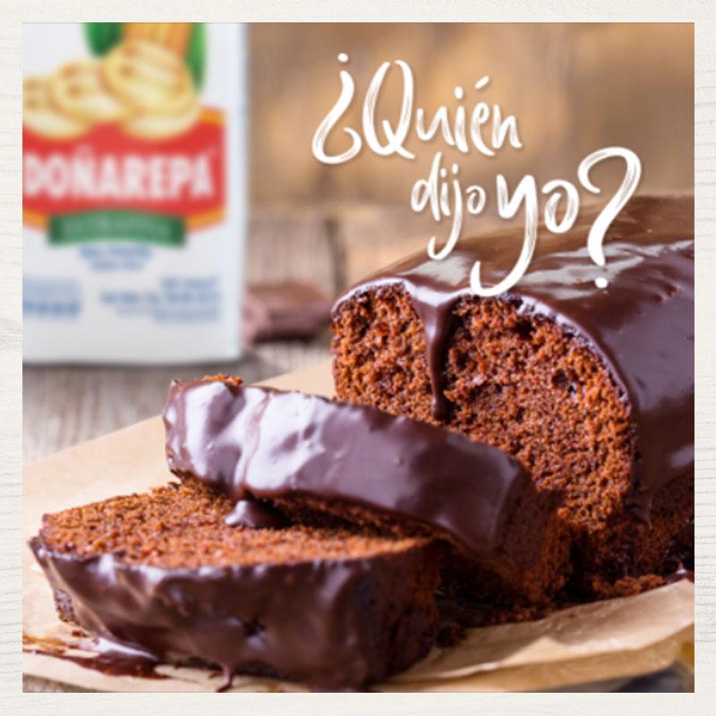 Receta de torta de chocolate hecha con productos Doñarepa